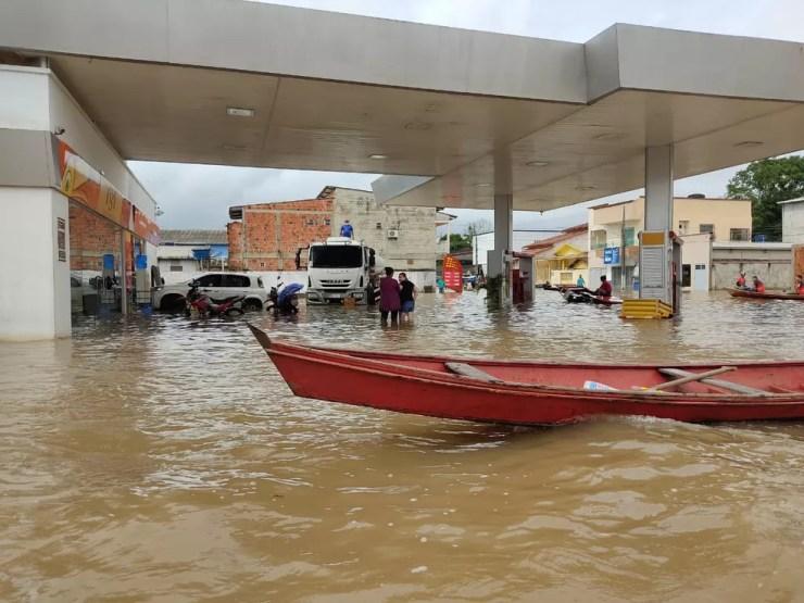 Rio Tarauacá ultrapassou os 11 metros e atinge nove bairros na cidade  — Foto: Gleydison Meireles/Arquivo pessoal