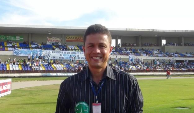 Charles Hebert é ex-árbitro e comanda a CEAF/AL — Foto: Viviane Leão/GloboEsporte.com