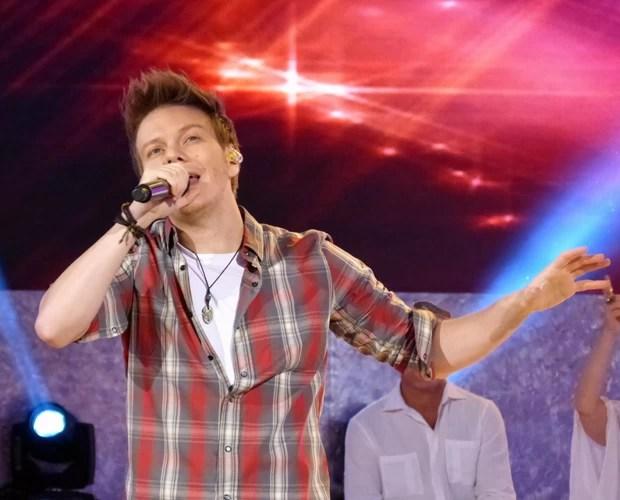 Michel Teló canta seus sucessos no programa e coloca todo mundo para dançar! (Foto: TV Xuxa / TV Globo)