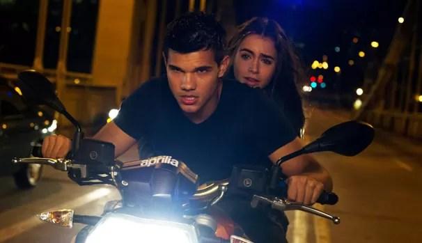 Nathan (Taylor Lautner) descobre que sua vida não á nada daquilo que ele imaginava (Foto: Divulgação/Reprodução)