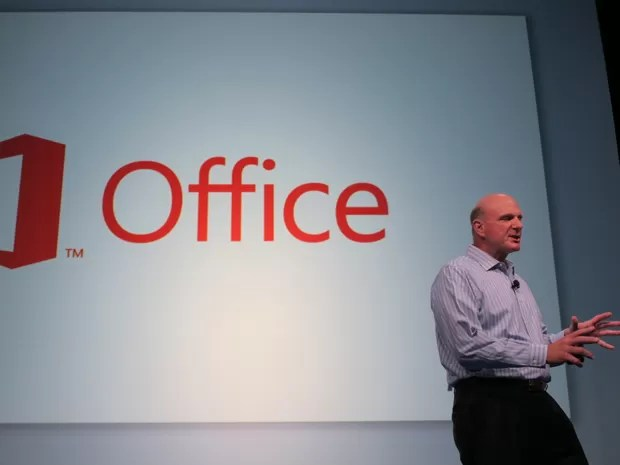 Steve Ballmer, CEO da Microsoft, faz anúncio do novo Office (Foto: Laura Brentano/G1)