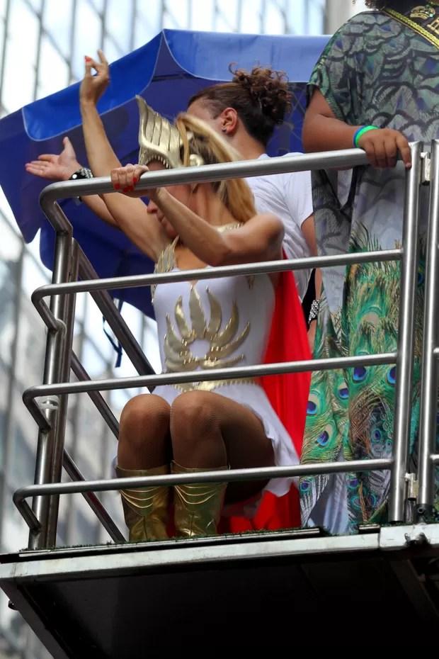 Carolina Dieckmann no Bloco da Preta (Foto: Henrique Oliveira/PhotoRioNews)
