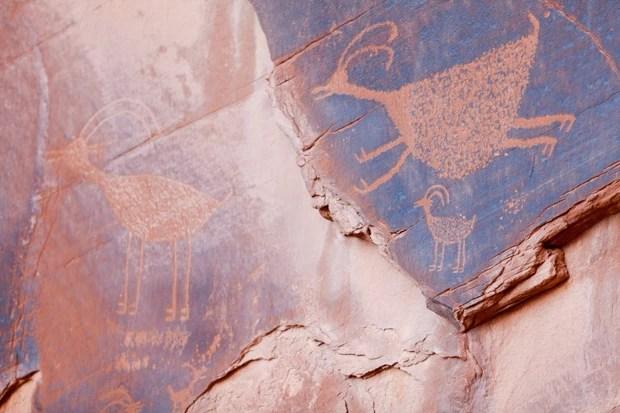 Petroglifos desenhados a mais de 1.500 anos por nativos norte-americanos (Foto: Fernando Zequinão)