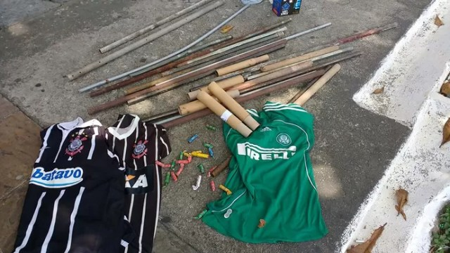 briga torcidas corinthians palmeiras (Foto: Helio Torchi/Simapress/Estadão Conteúdo)