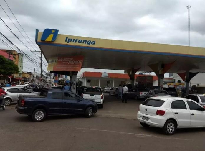 Sindicato informou que ao menos oito postos estão sem gasolina, desses quatro também estão sem etanol (Foto: Aline Nascimento/G1)