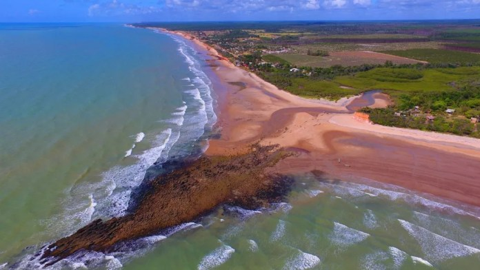 Praia da Costa Dourada, em Mucuri - Bahia — Foto: Divulgação