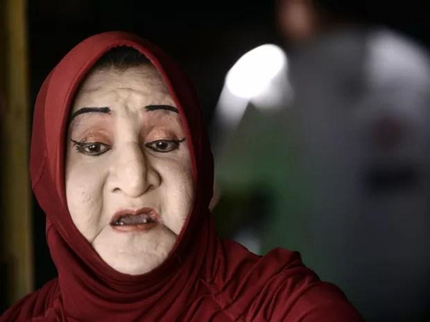Shinta Ratri, diretora do internato em Yogyakarta, em foto de 9 de maio (Foto: Goh Chai Hin/AFP)