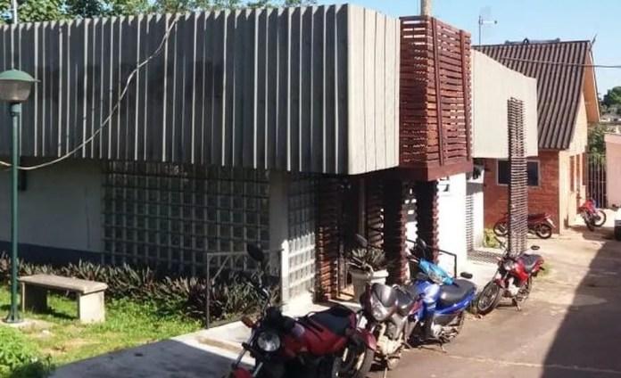 Parte do prédio está alugado para duas clínicas   — Foto: Mazinho Rogério/G1