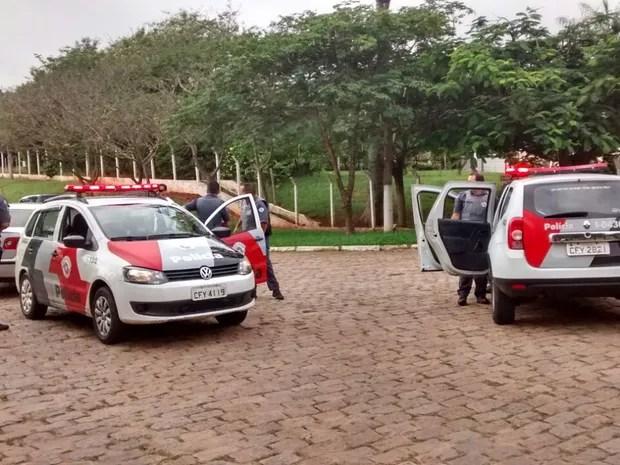 Polícia Militar trabalha na recaptura dos homens (Foto: Carolina Abelin/TV TEM)