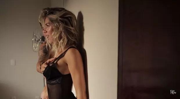 Ensaio sensual Giovanna Ewbank e Bruno Gagliasso (Foto: Reprodução / Youtube)