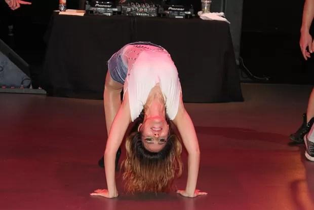 Wanessa mostra elasticidade em show (Foto: Celso Tavares/Divulgação)
