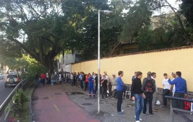 fila ingressos copa do mundo botafogo (Foto: Janir Junior)