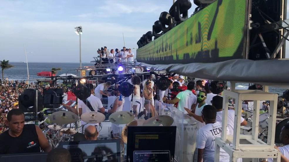 """Cláudia Leitte inicia desfile no Circuito Dodô com a música """"Taquitá"""" (Foto: Tiago Caldas /Ag Haack)"""