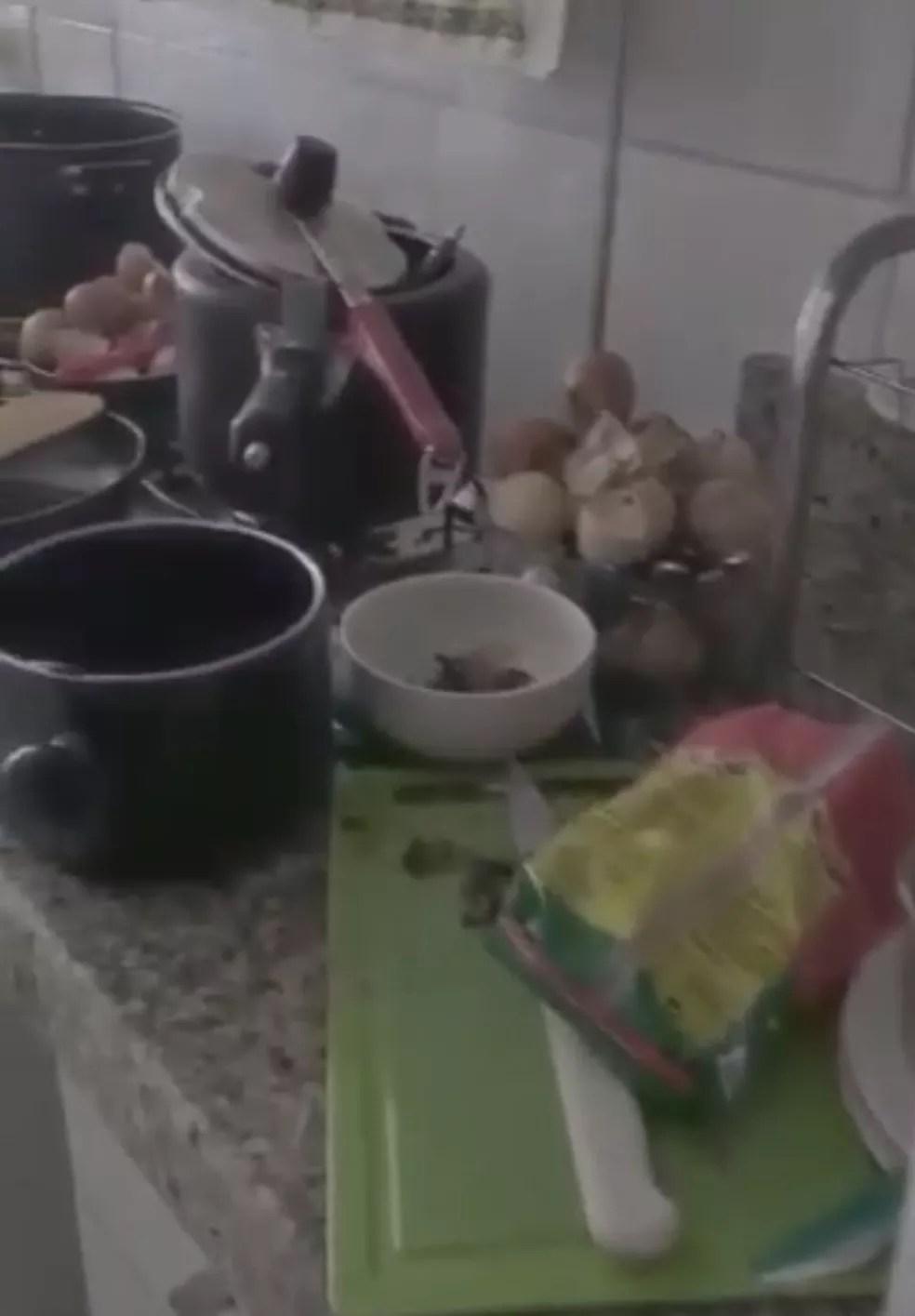 Casa de idosa vítima de maus-tratos cometidos pelo próprio filho, no Sudoeste, em Brasília — Foto: PCDF/Divulgação