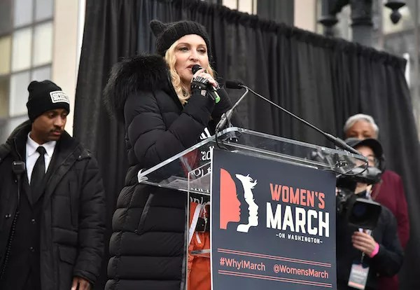 A cantora Madonna no protesto contra Donald Trump (Foto: Getty Images)