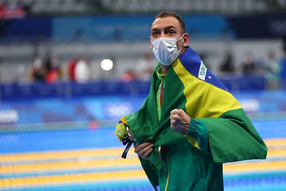 Fernando Scheffer leva o bronze nos 200m livre masculino na natação dos Jogos de Tóquio — Foto: REUTERS/Aleksandra Szmigiel