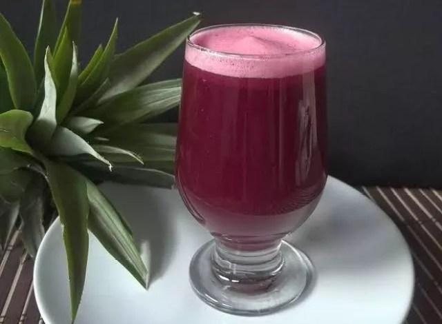 A bebida pink latte pode ser consumida fria ou quente  (Foto: Divulgação)