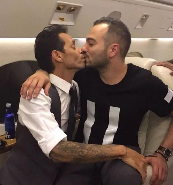 Após beijar a ex Jennifer Lopez, Marc Anthony distribui ...