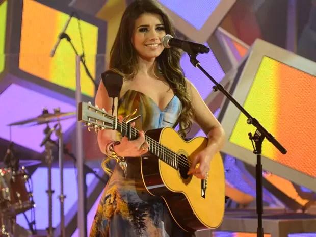 Paula Fernandes no palco do Sai do Chão (Foto: TV Globo/Sai do Chão)