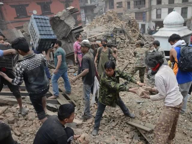 Capital Katmandu foi a mais afetada pelo sismo de magnitude 7,8 (Foto: Prakash Mathema / AFP)