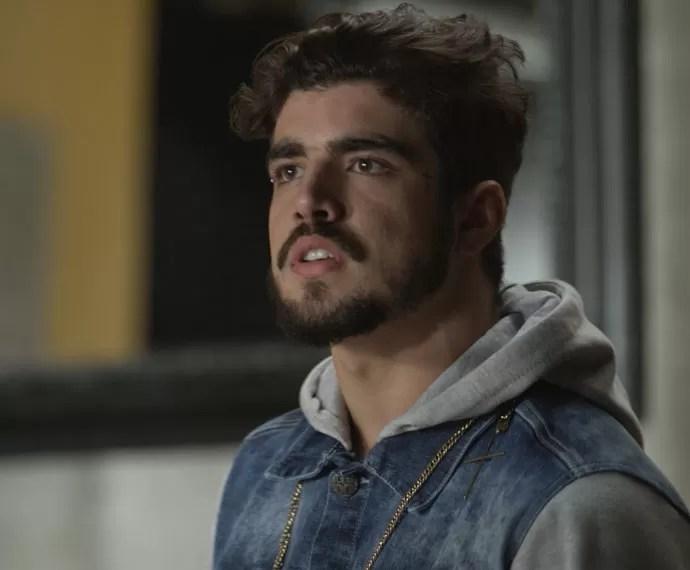 Grego tenta convencer Margot que foi tudo armação de Soraya (Foto: TV Globo)