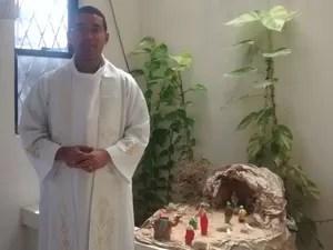 Padre Marcelo acredita que que através da festa de Natal, Deus entra na história da humanidade (Foto: Nilda Vaz / Arquivo Pessoal)