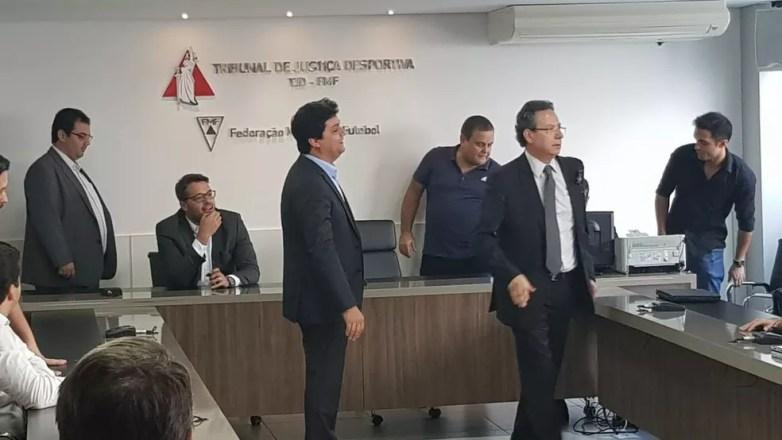 Representantes dos clubes e da Polícia Militar estiveram presentes — Foto: Rafael Araújo