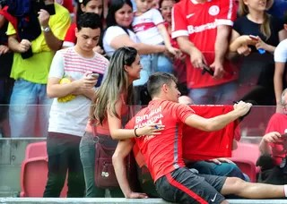Inter treino torcida Beira-Rio Alex (Foto: RIcardo Duarte / Internacional/ Divulgação)