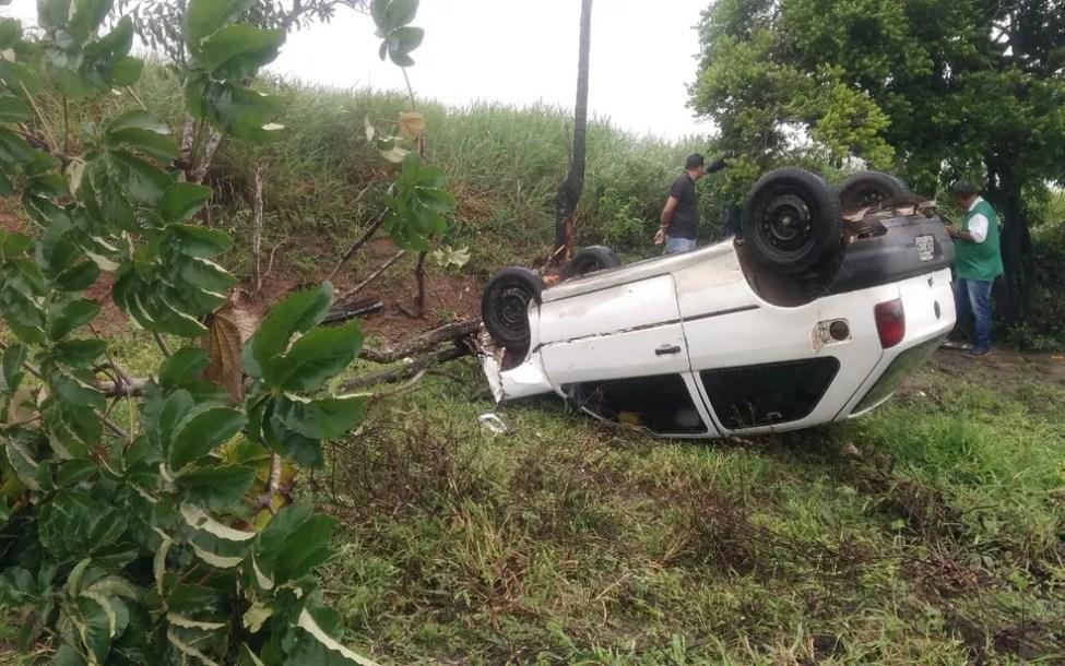 No momento do acidente a pista estava molhada (Foto: BPRv)