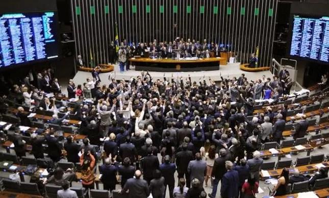 Resultado de imagem para plenario da Câmara dos Deputados
