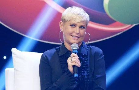 After nearly 30 years at Globo, Xuxa signed a contract with Record Reproduction