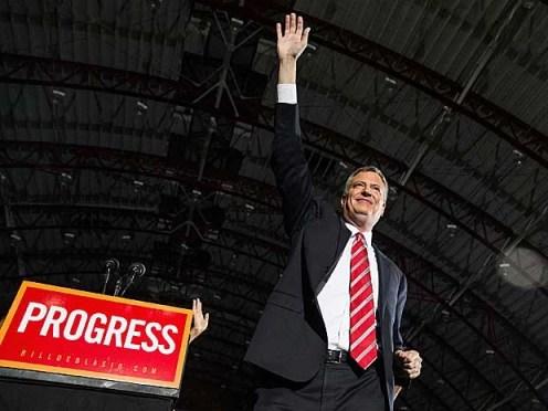 O democrata recém-eleito prefeito de Nova York Bill de Blasio venceu o republicano Joe Lhota e sucederá Michael Bloomberg. (Foto: Andrew Burton / Getty Images / AFP Photo)