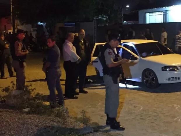 Secretário de Segurança, Claúdio Lima, compareceu ao local do crime, em João Pessoa (Foto: Walter Paparazzo/G1)