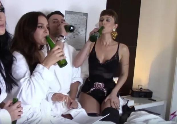 Bruna Marquezine, Matheus Mazzafera e Mariana Ximenes (Foto: Reprodução/YouTube)