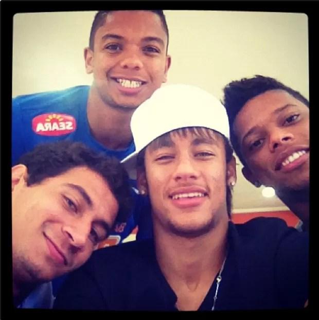 Neymar inclui David Braz aos 'Meninos da Vila' (Foto: Reprodução / Instagram)