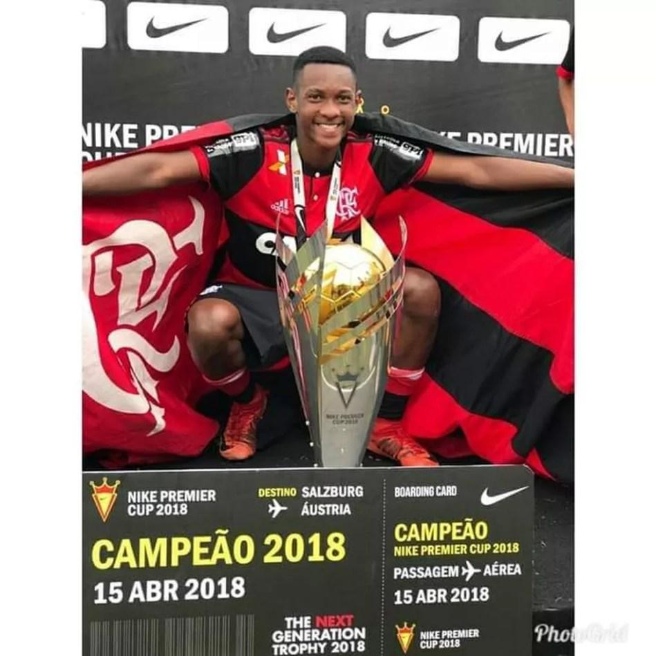 Jorge Eduardo Pereira dos Santos, volante do Flamengo de Além Paraíba — Foto: Divulgação