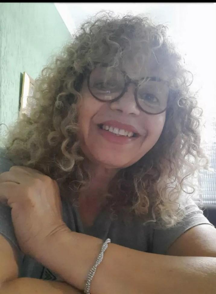 Gizelda Rosa do Bonfim, que tomou a vacina contra a Covid após ter colocado o nome na lista de espera do posto de saúde em São Paulo — Foto: Arquivo pessoal