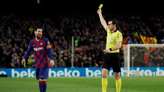 Messi levou um cartão amarelo contra a Real Sociedad