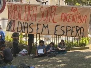 Acampados menina argentina (Foto: Reprodução/RBS TV)