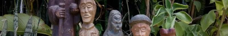 Peças do escultor Adilson Baiano Paciência na exposição do Acervo da Laje, no São João do Cabrito — Foto: José Eduardo/ Divulgação