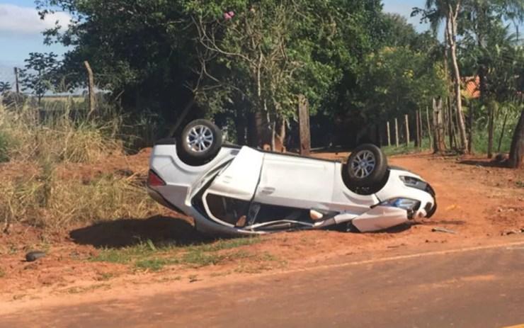 Segundo polícia, havia sete pessoas dentro do carro (Foto: Patrick Lima/TV TEM)