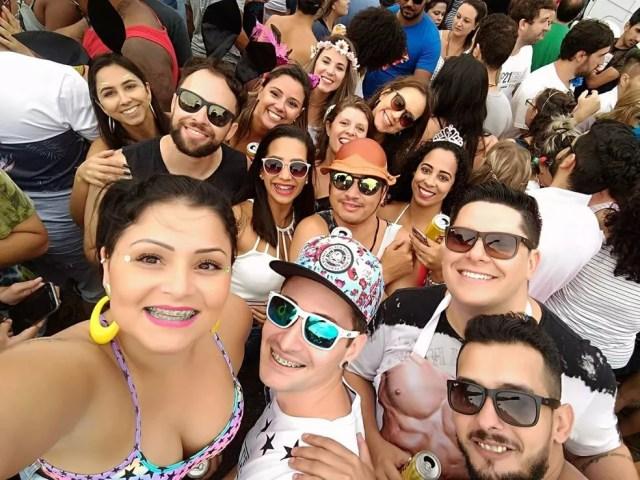 Amigos em bloco de carnaval antes do crime na Rebouças (Foto: Arquivo pessoal )