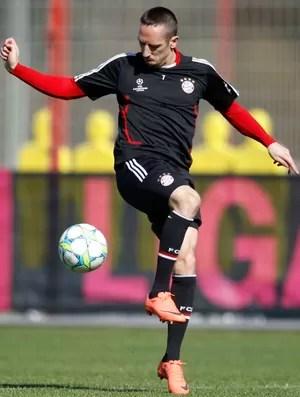 Franck Ribéry em treino do Bayern de Munique (Foto: AP)