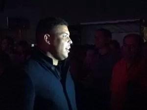Ronaldo no show de Lady Gaga (Foto: Thiago Zenker/RBS TV)