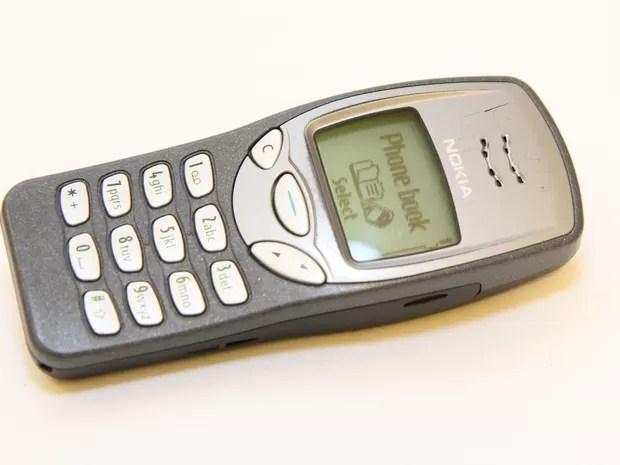 Os antigos celulares Nokia eram conhecidos por sua resistência e pelo jogo 'Snake'  (Foto: Reprodução/Ebay)