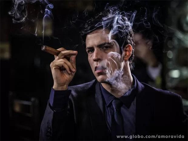 Mateus Solano é Félix, o vilão da próxima novela das 21h (Foto: Amor à Vida / TV Globo)