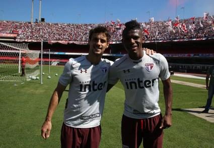 Rodrigo Caio e Arboleda foram titulares em 2017, mas ainda não atuaram juntos em 2018 (Foto: Rubens Chiri / saopaulofc.net)