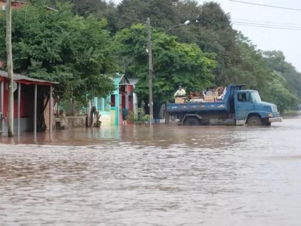 Itaqui, na Fronteira Oeste, já tem mais de 9 mil pessoas que saíram de casa (Foto: Miguel Araújo/Defesa Civil de Itaqui)