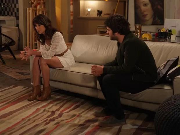Hora de revelar tudo para Davi, Manu! (Foto: Pedro Curi/ TV Globo)