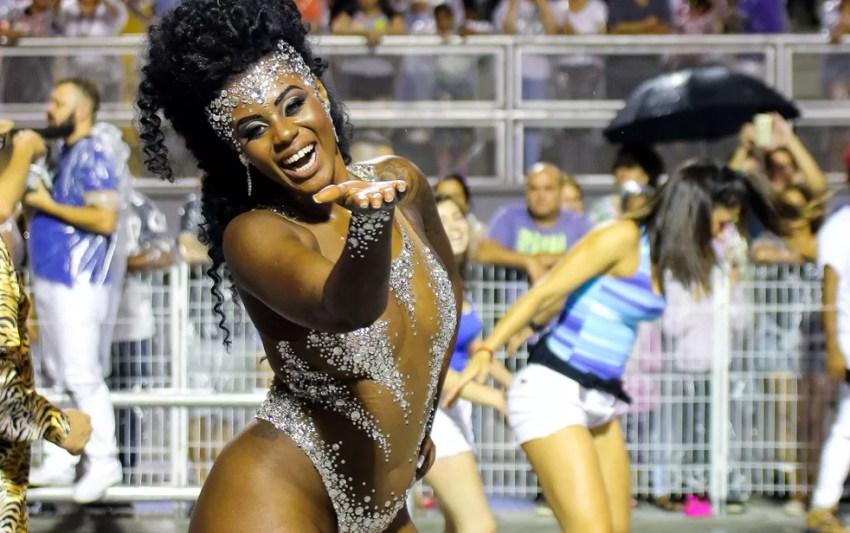 Gabriela Lélis, musa da Império de Casa Verde, é a atual rainha do carnaval de São Paulo — Foto: Marcelo Fim/Raw Image/Estadão Conteúdo